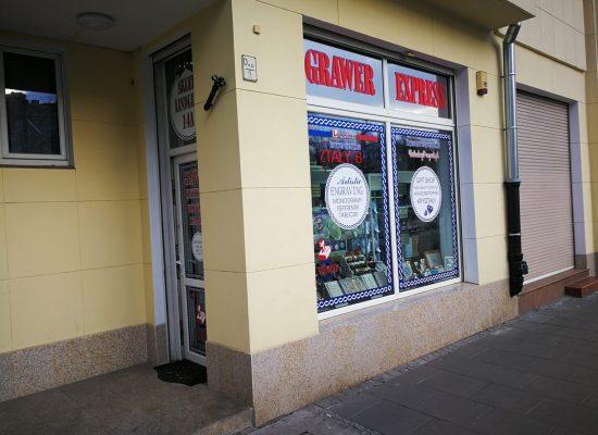 zdjęcie sklepu firmowego grawer